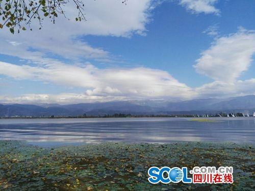 天气预报显示,近期,凉山州天气晴好,州府西昌的气温基本保持在10℃-27